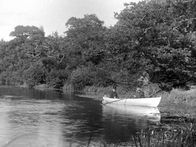 © Rivers Access for All - Boating on the River Avon Date c1895