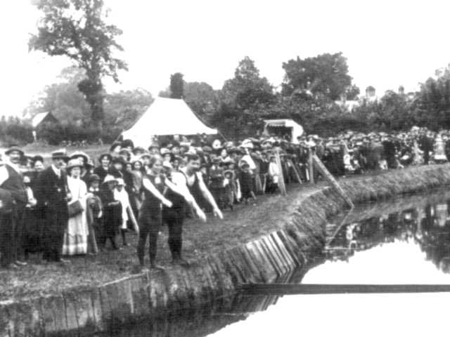 © Rivers Access for All - Swimming meet on the River Mole in Horley in 1884